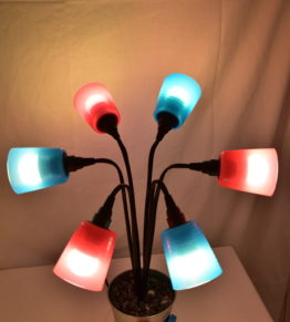Die Leuchte Swing5 angeschaltet und individuell ausgerichetet.
